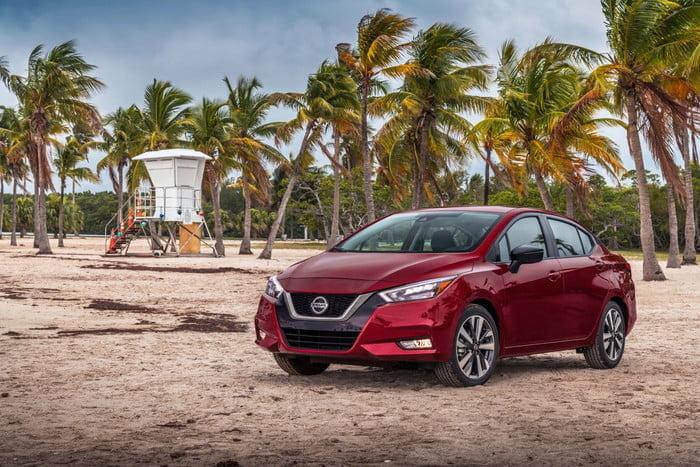 2020 Nissan Versa yeniden tasarımıyla önemli fiyat artışı getirdi